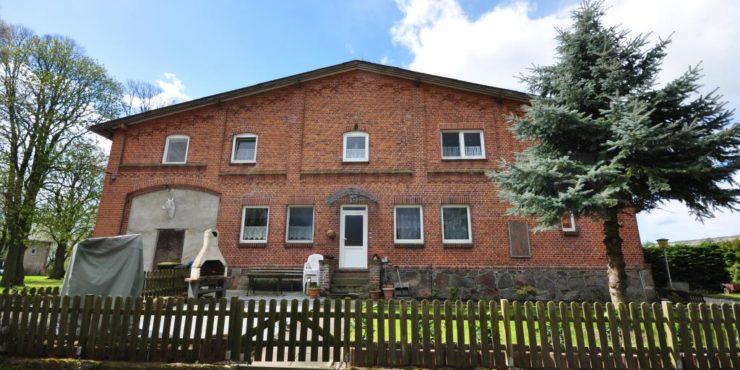 Rögnitz, NWM; Nähe Schaalsee-Biosphären-Reservat Zweifamilienhaus + Bungalow; ideal für Pferdehaltung